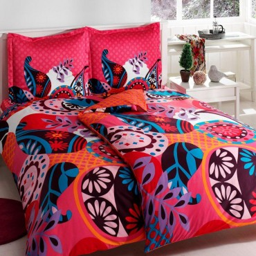 Семейный комплект постельного белья: размеры, что входит в него