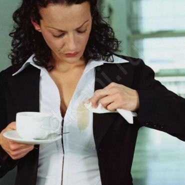 Чем вывести пятно от чая